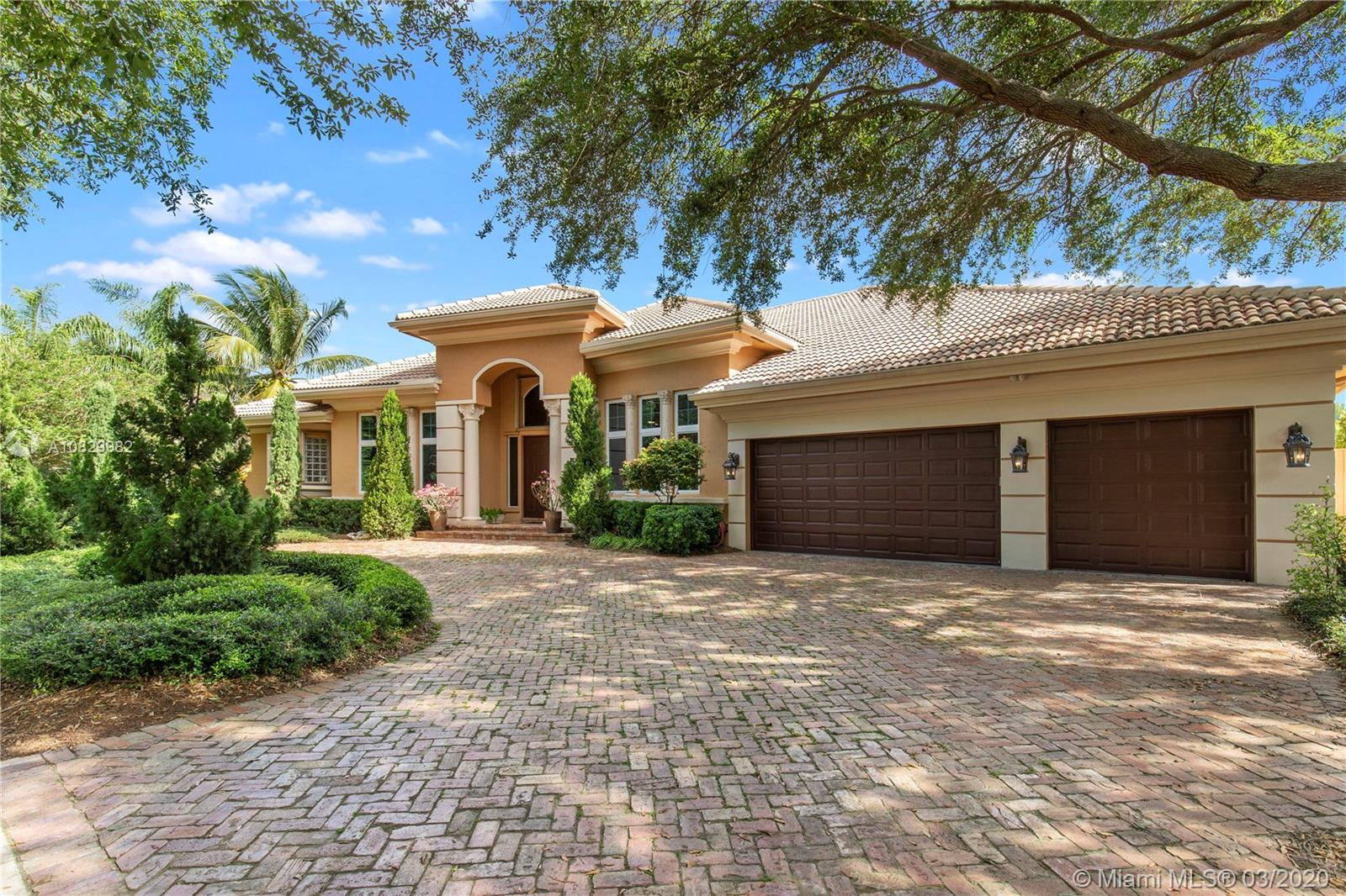 3631  Estate Oak Cir  For Sale A10829982, FL