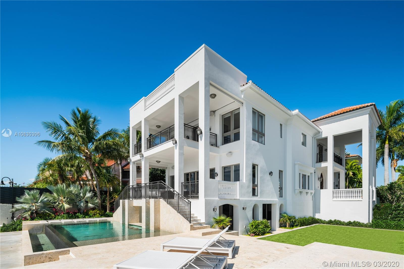 3590  Crystal View Ct  For Sale A10830396, FL