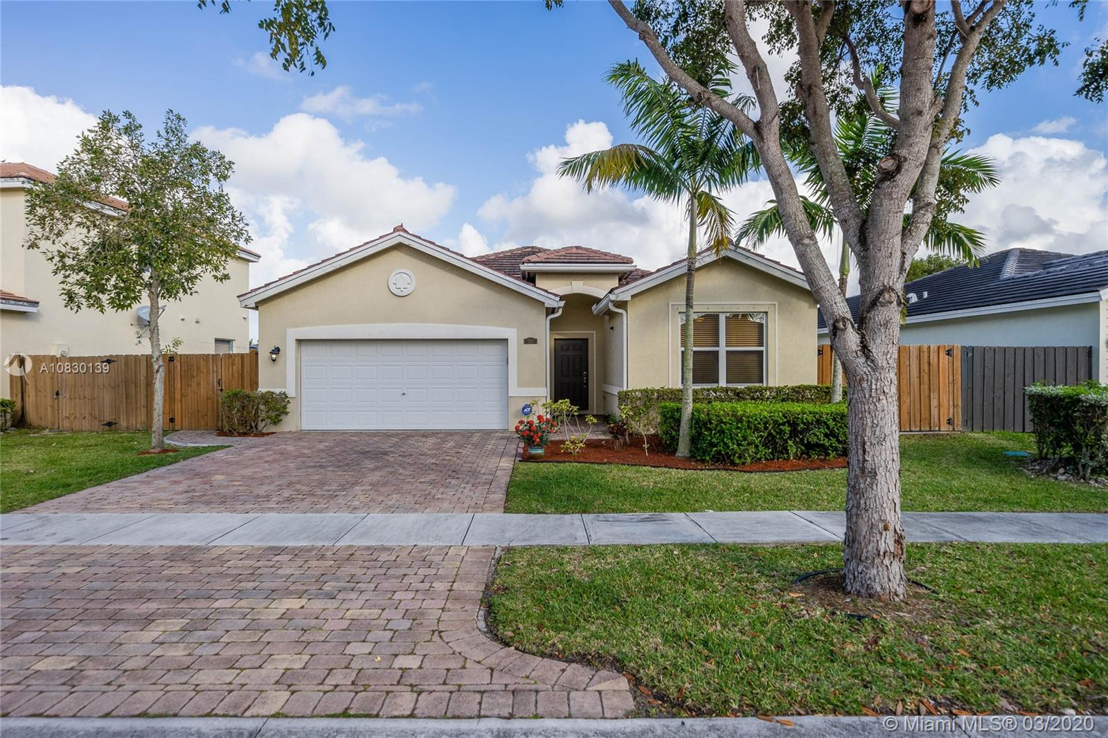 527 SE 31st Ave  For Sale A10830139, FL