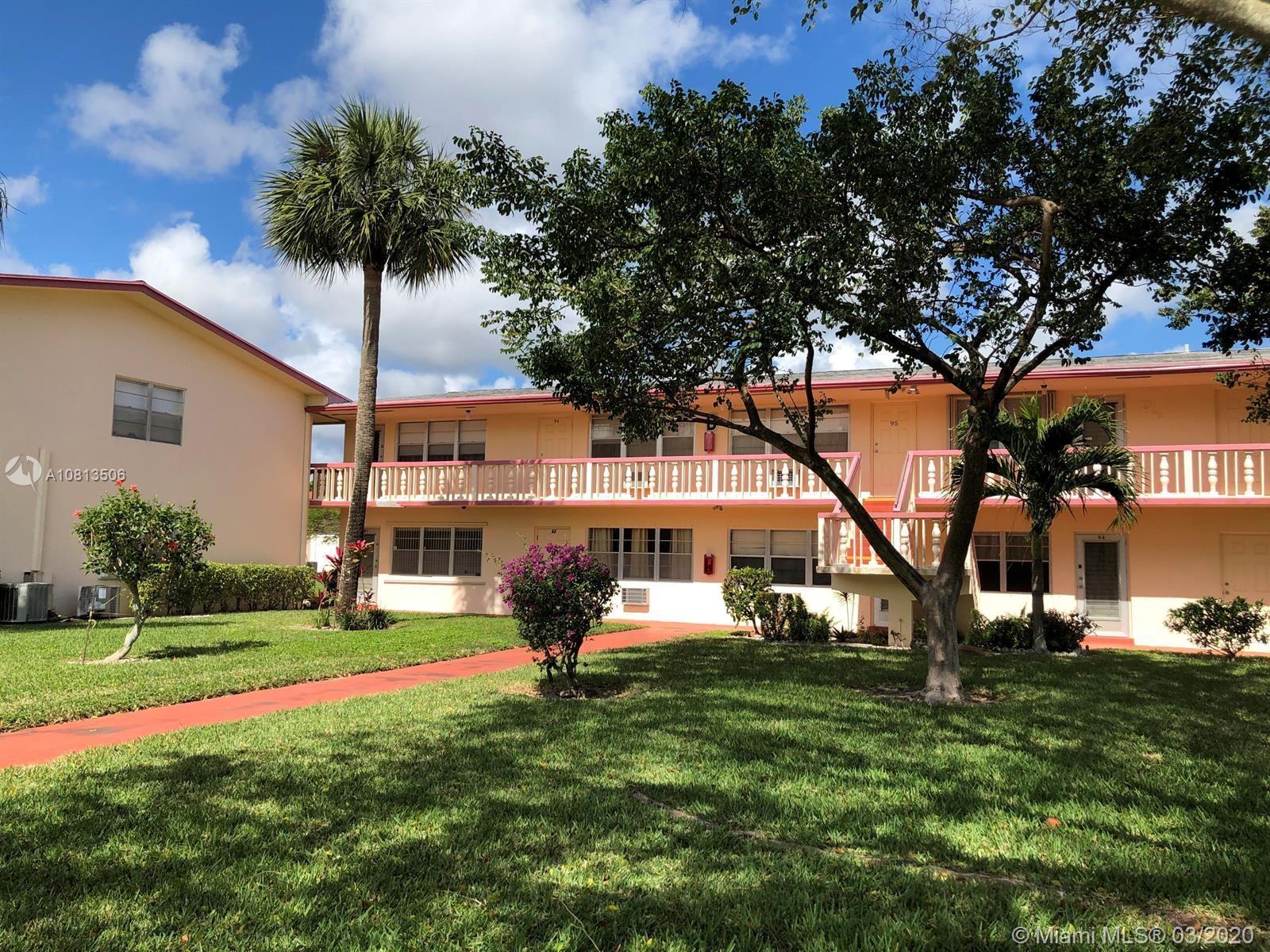 82 Waltham D 82, West Palm Beach, FL 33417