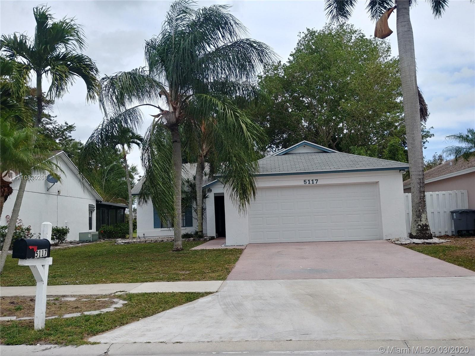 5117 Arbor Glen Cir, Lake Worth, FL 33463