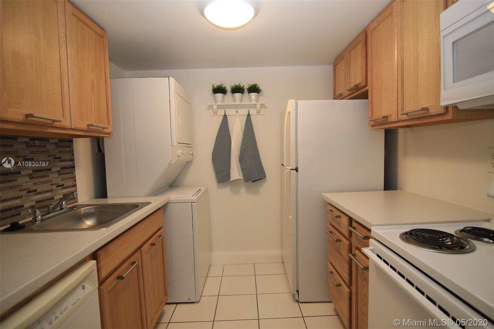 220  Lakeview Dr #106 For Sale A10830787, FL