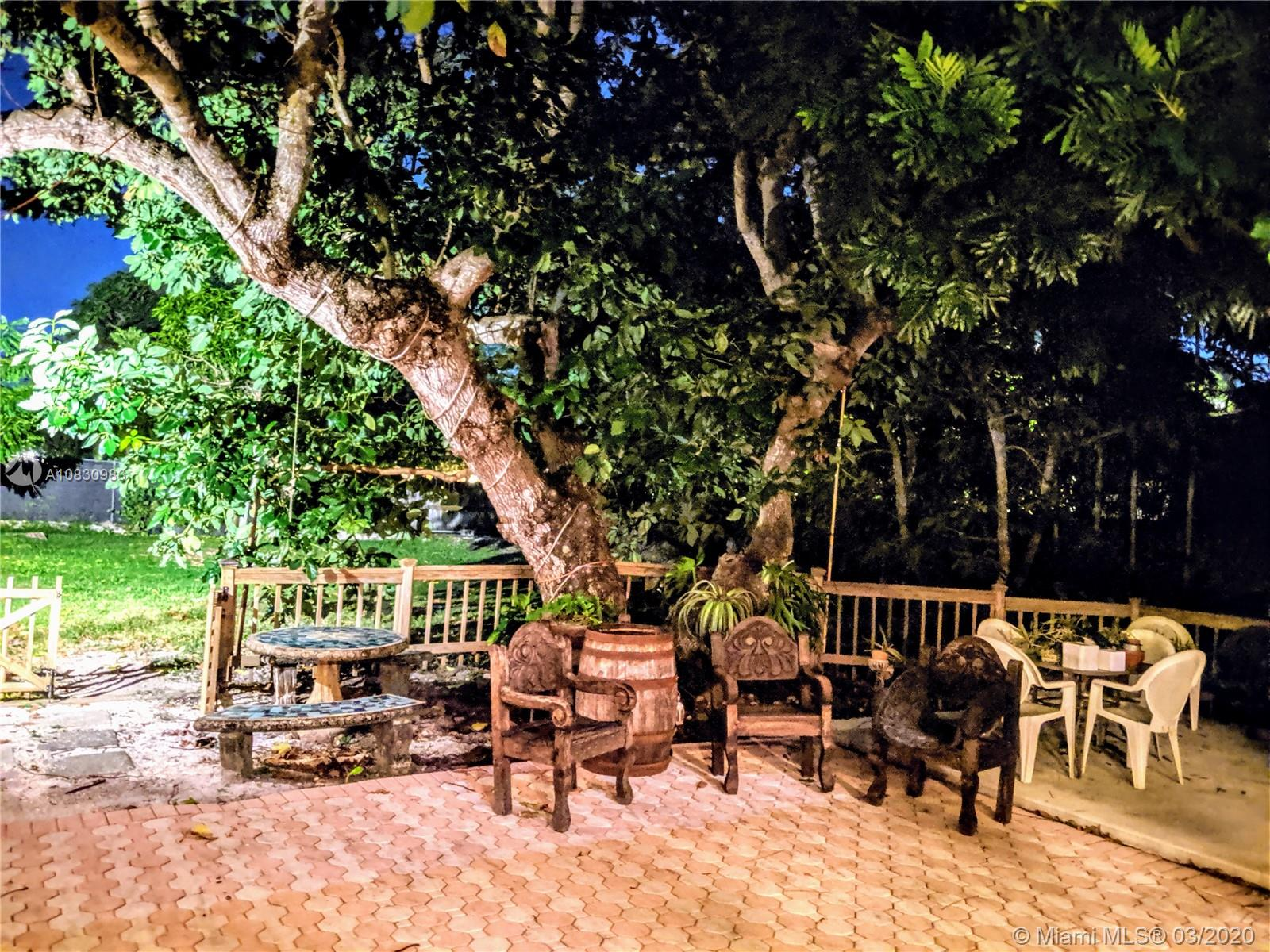 6650 SW 70th Ave  For Sale A10830983, FL
