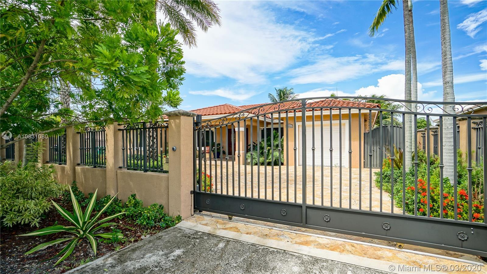 1040 SW 76th Ct  For Sale A10831080, FL