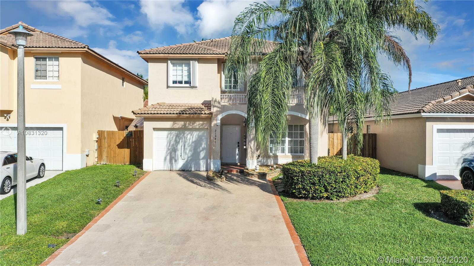 21541 SW 88th Ave  For Sale A10831320, FL