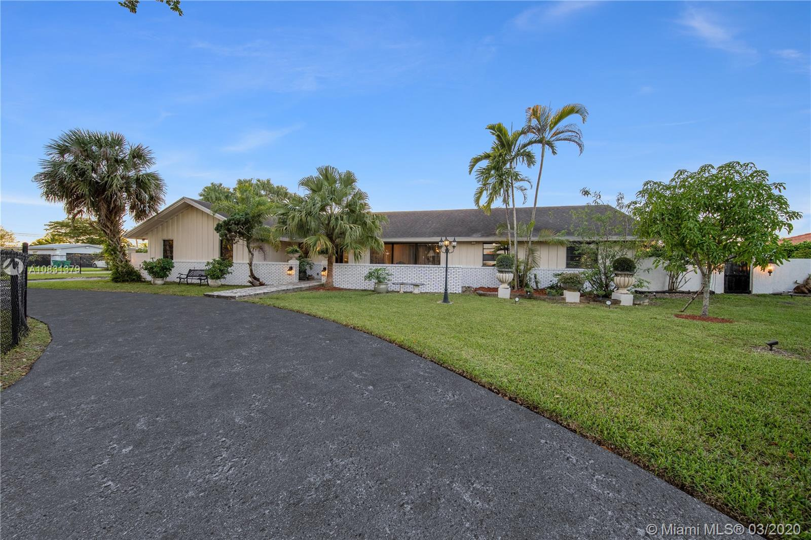 27550 SW 168th Ave  For Sale A10831379, FL