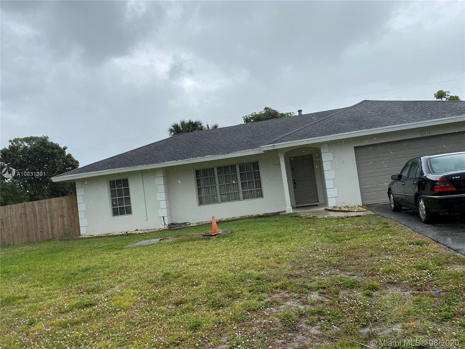 5114 Garfield Rd, Delray Beach, FL 33484