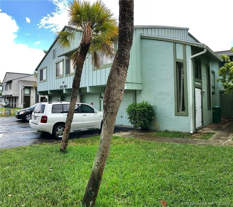 INVESTORS DREAM !!! 3 BEDROOMS TOWNHOUSE RARE TO FIND!! LOW HOA, JUST RENTED AT $1650.00, LEASE EXPIREON 02/2021, SEE ATTACHED OWNER CURRENT INVENTORY OFFERED ALSO FOR SALE (4 UNITS 3BED AND 4 UNITS 2BED IN HABITAT II)