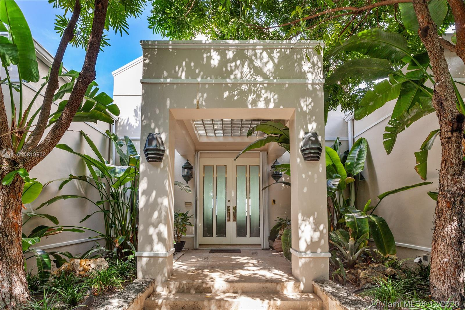 61  Island Dr  For Sale A10813932, FL