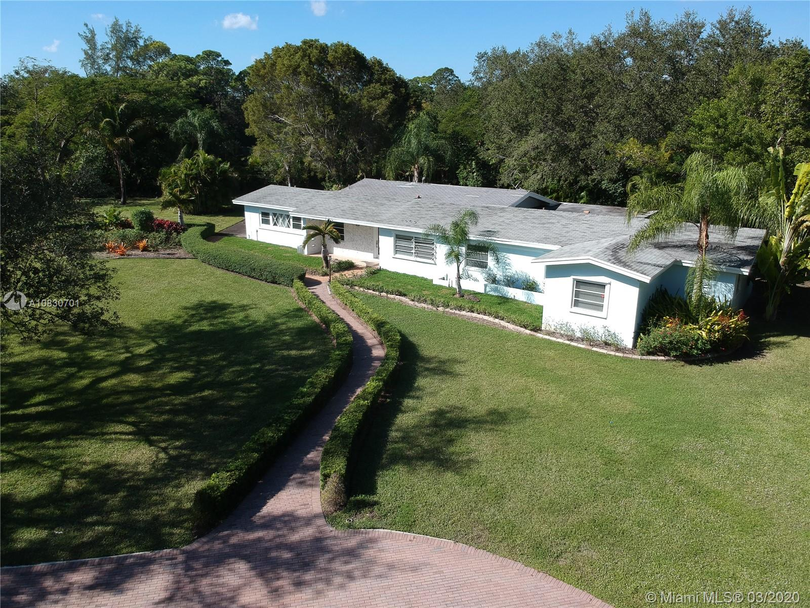 6901 SW 66th St  For Sale A10830701, FL