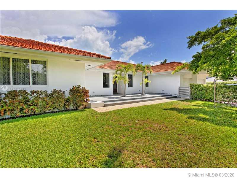 131  Island Dr  For Sale A10822903, FL