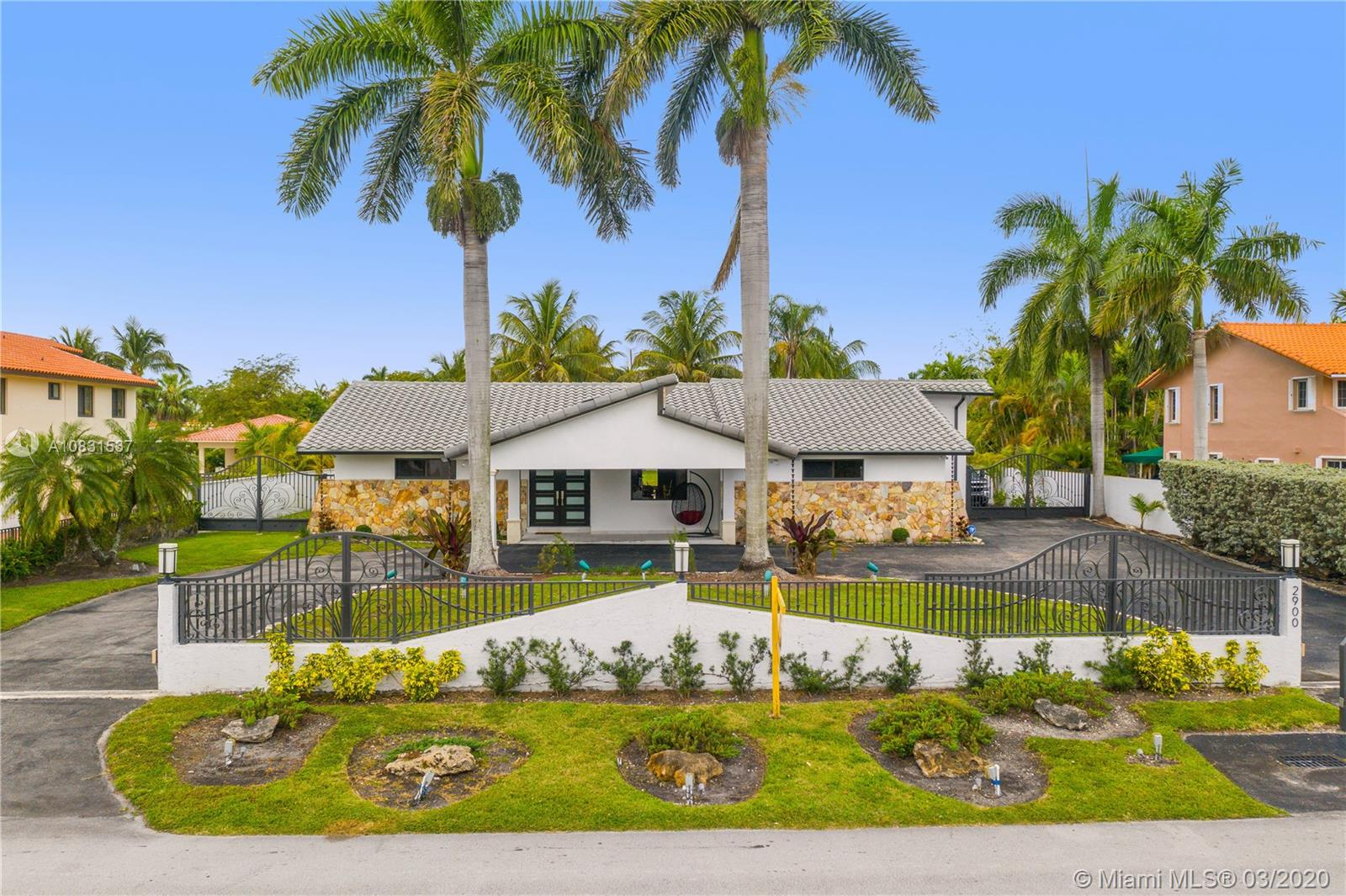 2900 SW 129 Ave  For Sale A10831537, FL