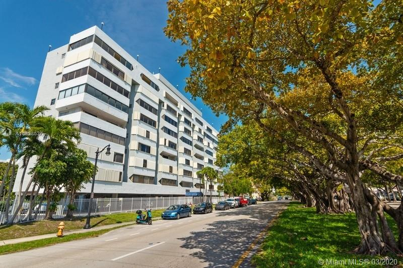 2950 SW 3rd AVE #8F For Sale A10828536, FL