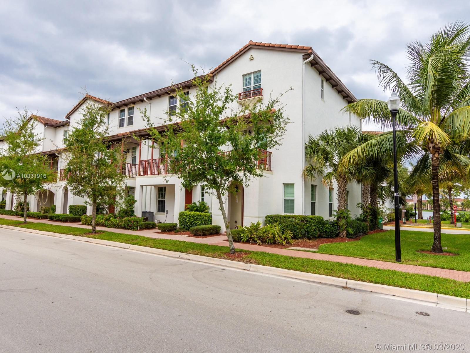 2828 SW 119th Way  For Sale A10831916, FL