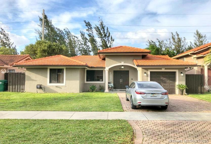 Beautiful one story home. 3/2 with canal in the back. Completed remodeled home with porcelain floors, stainless steel appliances, new bath, new kitchen. Enjoy the privacy of having no neighbors behind. Quite community, closed to great schools, restaurants, shopping centers, and super markets.
