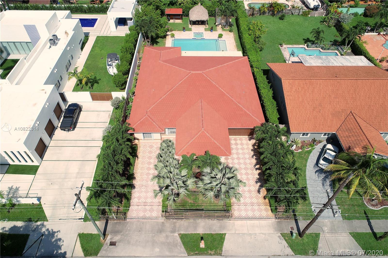 2340 SW 139th Ave  For Sale A10822314, FL