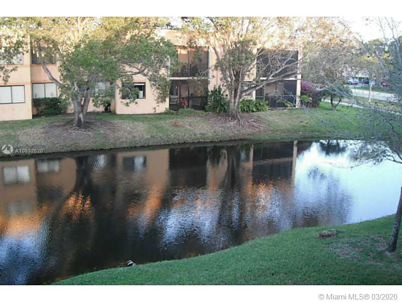 193  LAKEVIEW DR #204 For Sale A10832620, FL
