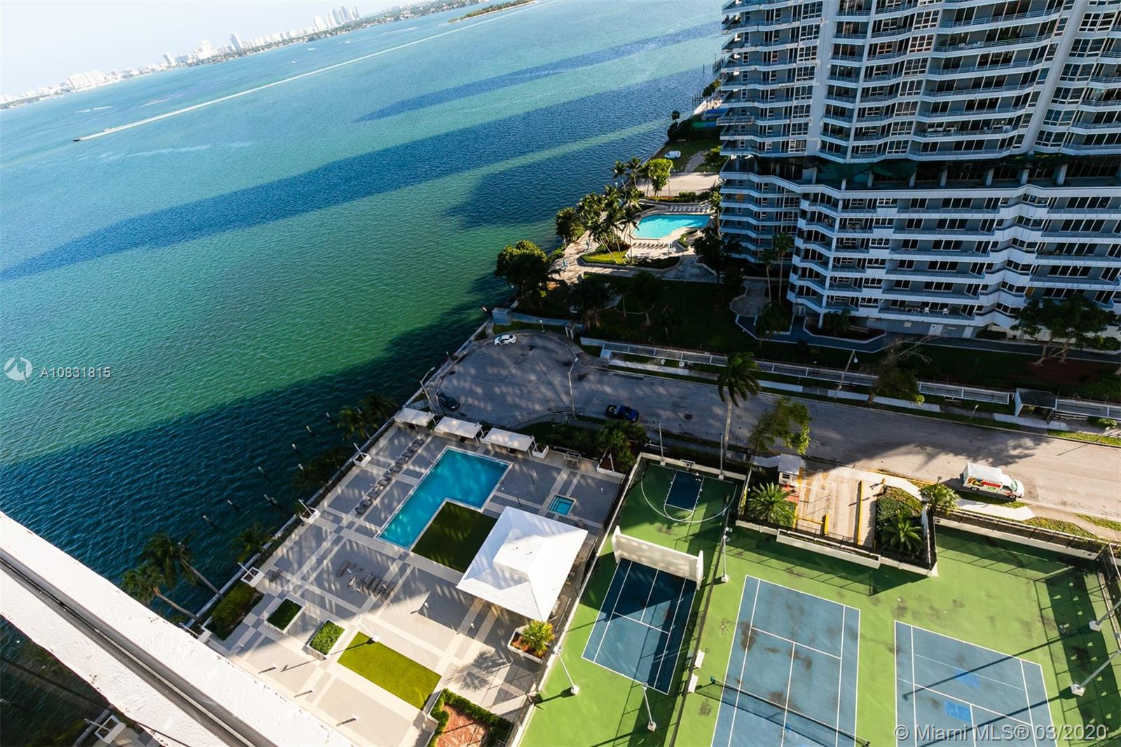 600 NE 36th St #T8 For Sale A10831815, FL