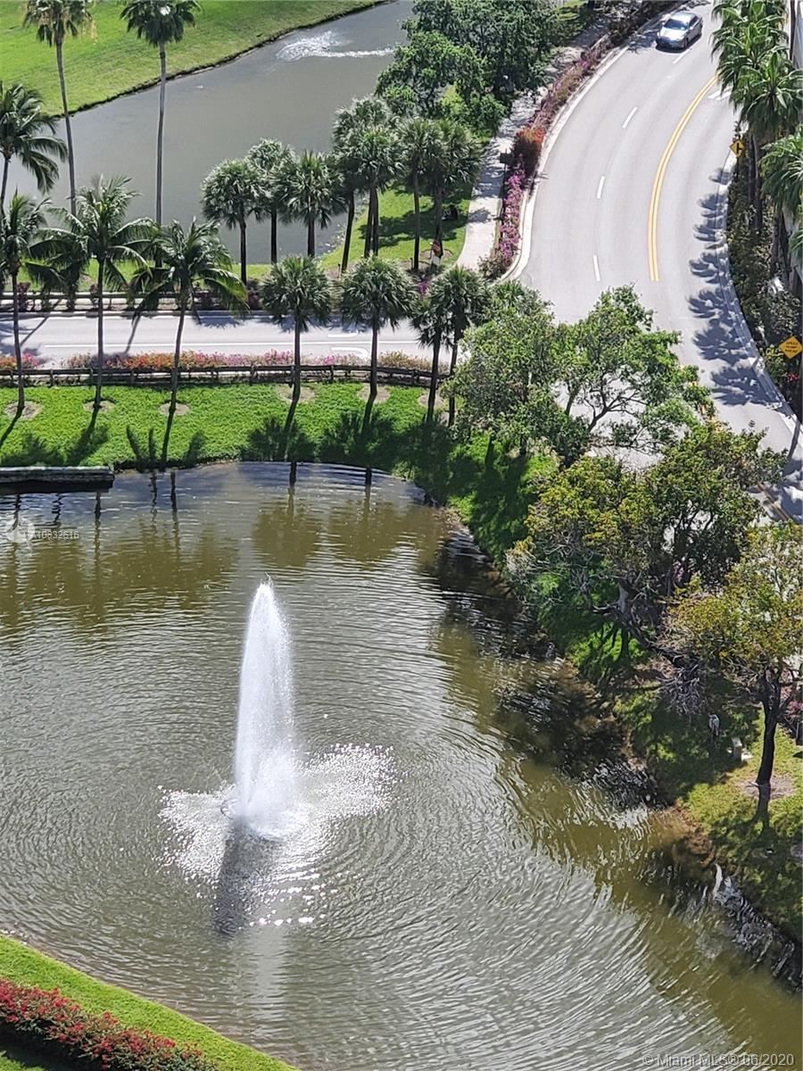 19501 W Country Club Dr #2607 For Sale A10832616, FL