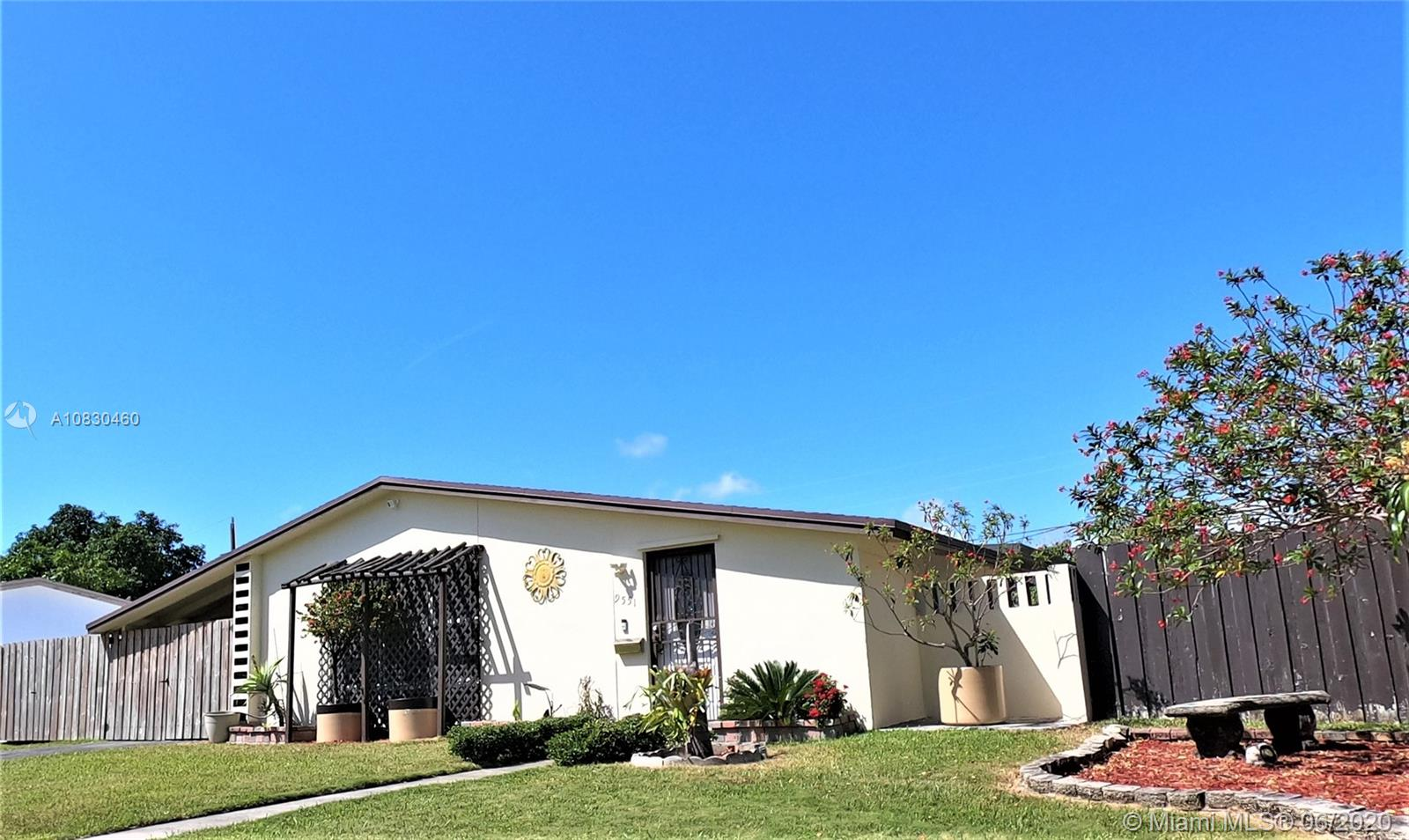 9551 SW 165 St  For Sale A10830460, FL