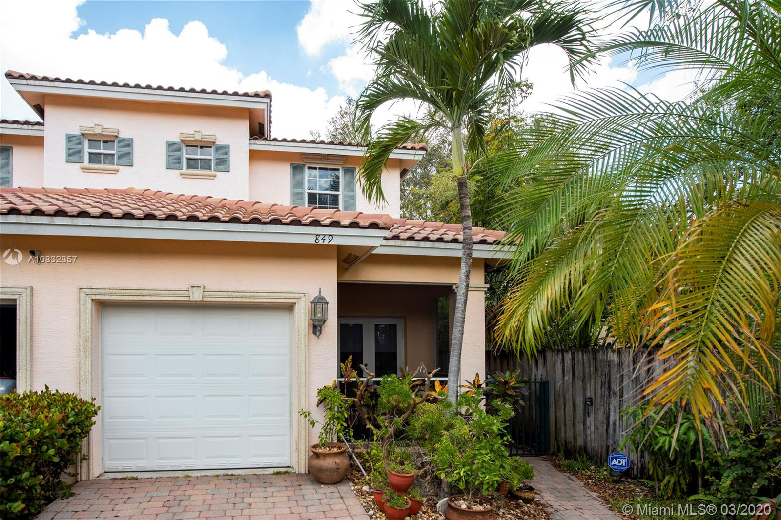 ***OWNER WILL ENTERTAIN SHOWINGS DURING CORONAVIRUS SHUTDOWN****LIVE IN LUXURY! ***NO HOMEOWNERS ASSOCIATION***A RARE FIND!  CONVENIENTLY LOCATED TO DOWNTOWN, BROWARD GENERAL HOSPITAL, HIGHWAYS & THE AIRPORT. THIS 3 BEDROOM 2.5 BATH TOWNHOUSE (ONLY ONE UNIT CONNECTING PROPERTY) WITH ***IMPACT WINDOWS/DOORS*** ALL BEDROOMS ON 2ND FLOOR!  KING SIZE MASTER W/LUXURY BATH. BEAUTIFUL WOOD CABINETRY IN THE KITCHEN W/STAINLESS APPLIANCES. HIGH CEILINGS, CROWN MOLDINGS, PLANTATION SHUTTERS & TILED FLOORS ADD TO THE AMBIANCE OF THIS HOME. THERE IS A COVERED PORCH W/AN EXTENDED PATIO AREA OVERLOOKING THE FENCED BACKYARD. 1 CAR GARAGE!   PERFECT FOR INVESTORS - BUY & RENT IMMEDIATELY!