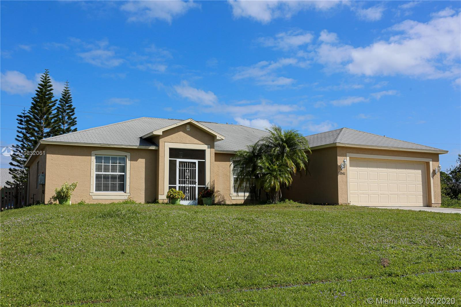 1041 SW Mccracken Ave  For Sale A10832061, FL
