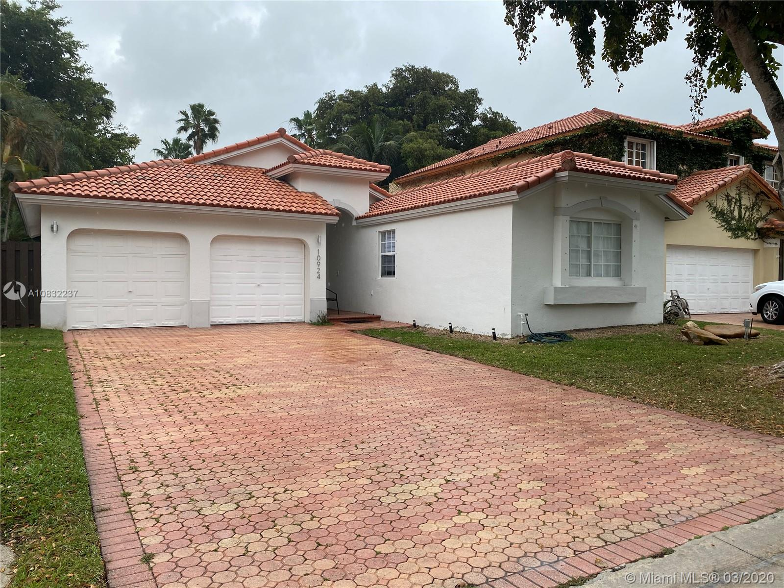 10924 NW 58th Ter  For Sale A10832237, FL