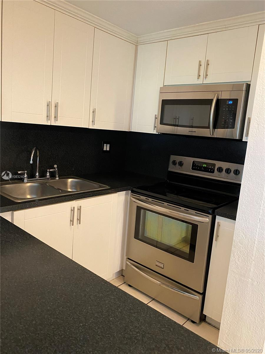 17170 SW 94th Ave #807 For Sale A10832401, FL