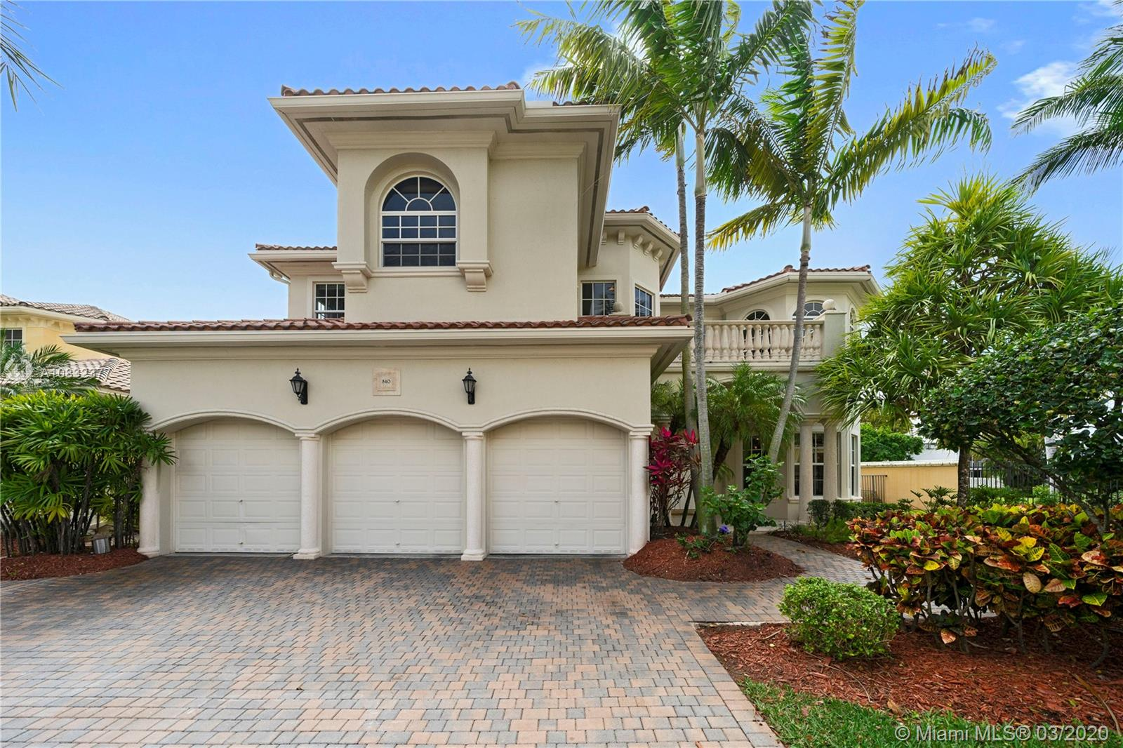 840  Beacon Ct  For Sale A10832377, FL
