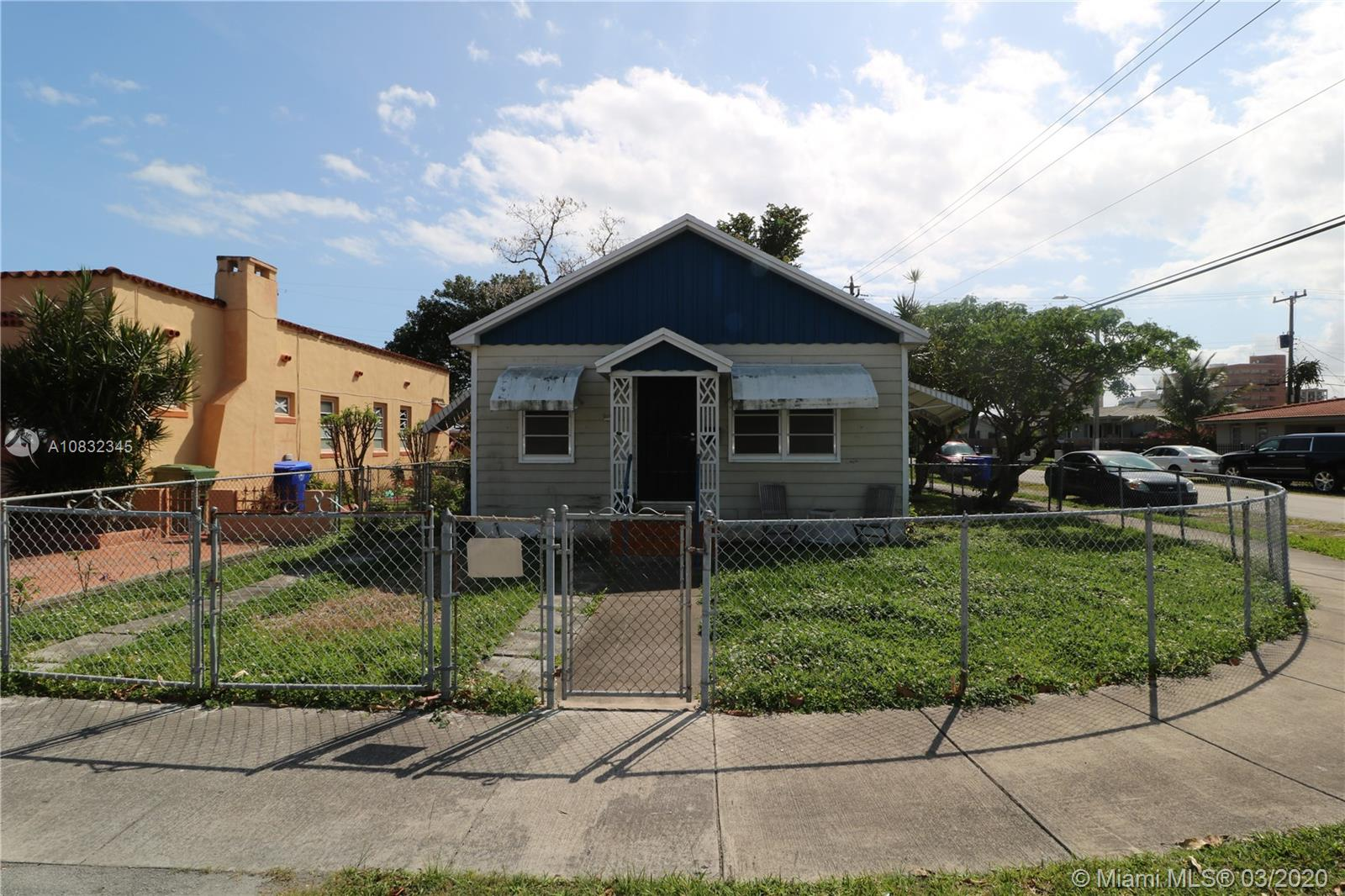 3562 SW 24th Ter  For Sale A10832345, FL