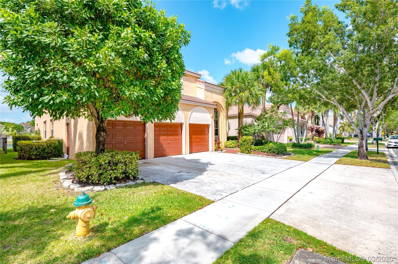 5056 SW 162nd Ave  For Sale A10832725, FL