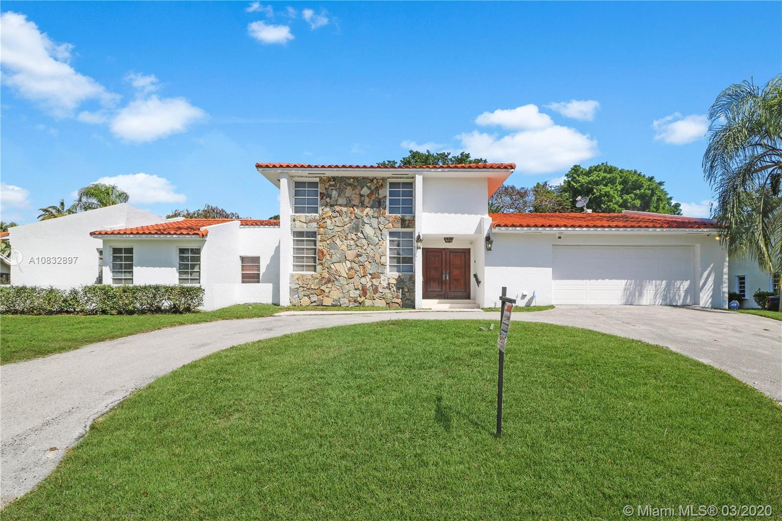 8245 SW 176th Ter  For Sale A10832897, FL