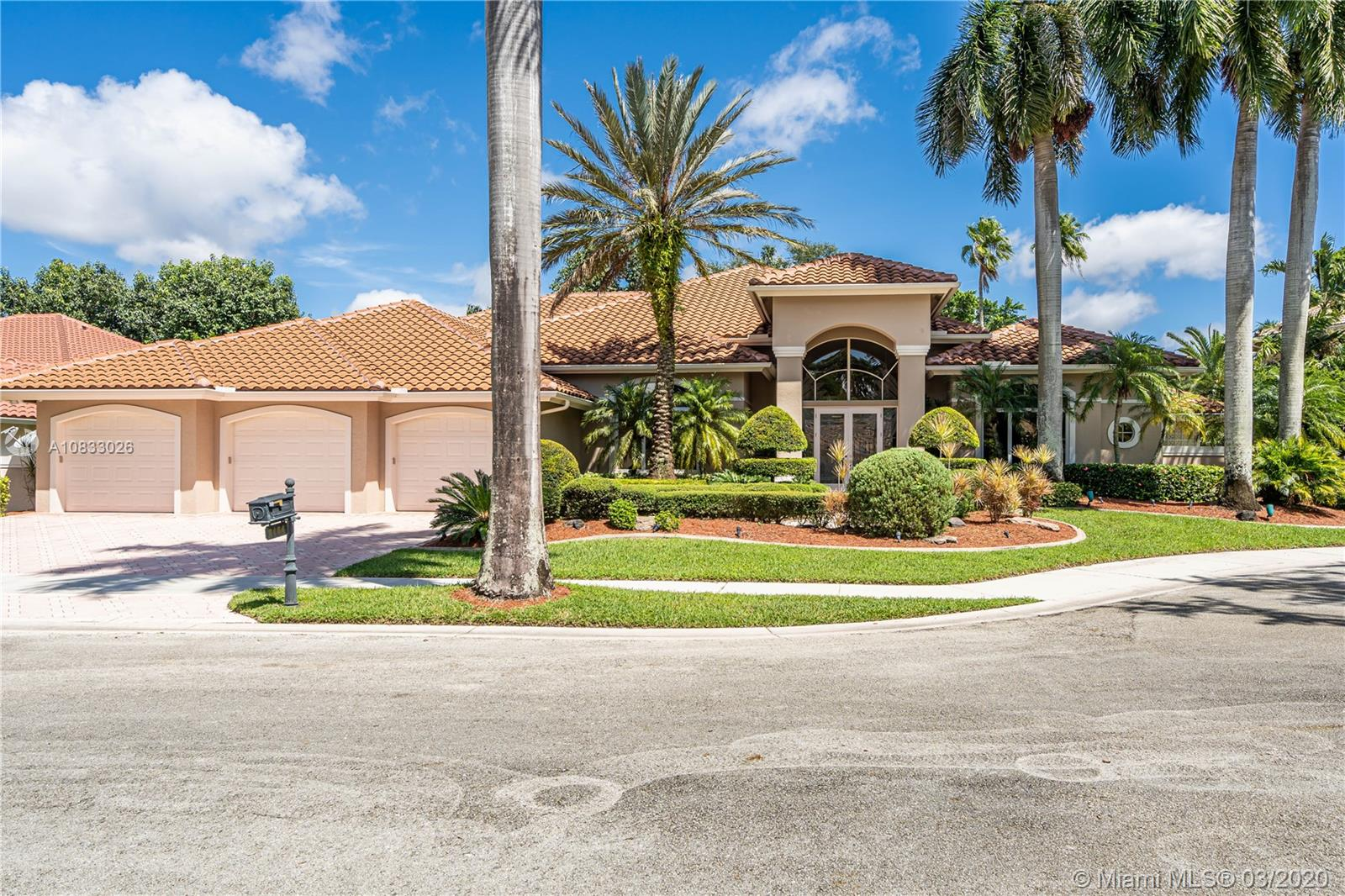 3164  Inverness  For Sale A10833026, FL