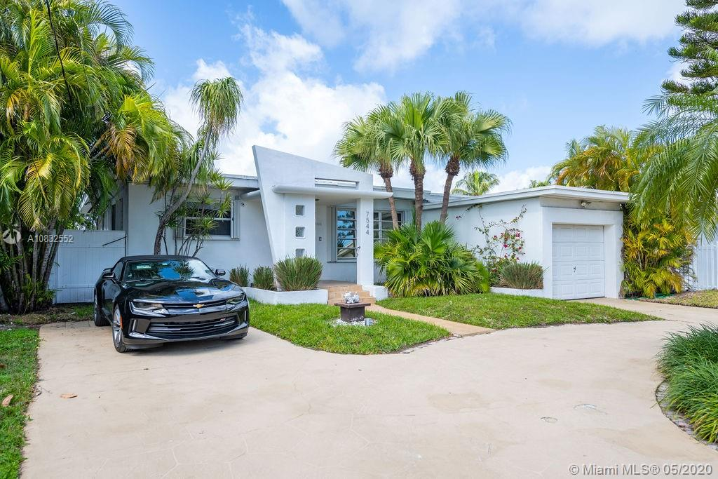 7544 W Treasure Dr, North Bay Village FL 33141