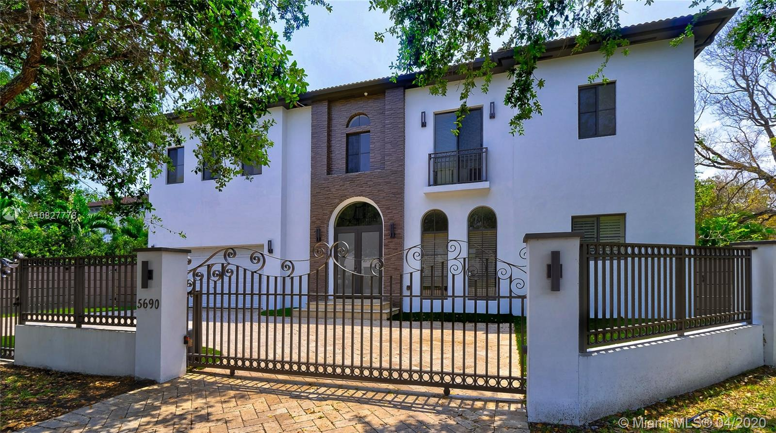 5690 SW 80 St  For Sale A10827778, FL