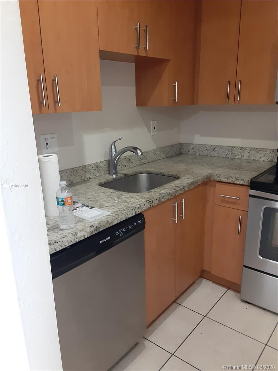 Second floor spacious unit with large balcony, almost 900 sq ft, newer appliances, large living room and dinning area, balcony access from master bedroom. Easy to show, excellent location across Dadeland Mall, minutes to all major expressways and the Metro Rail. easy to rent. Call today.