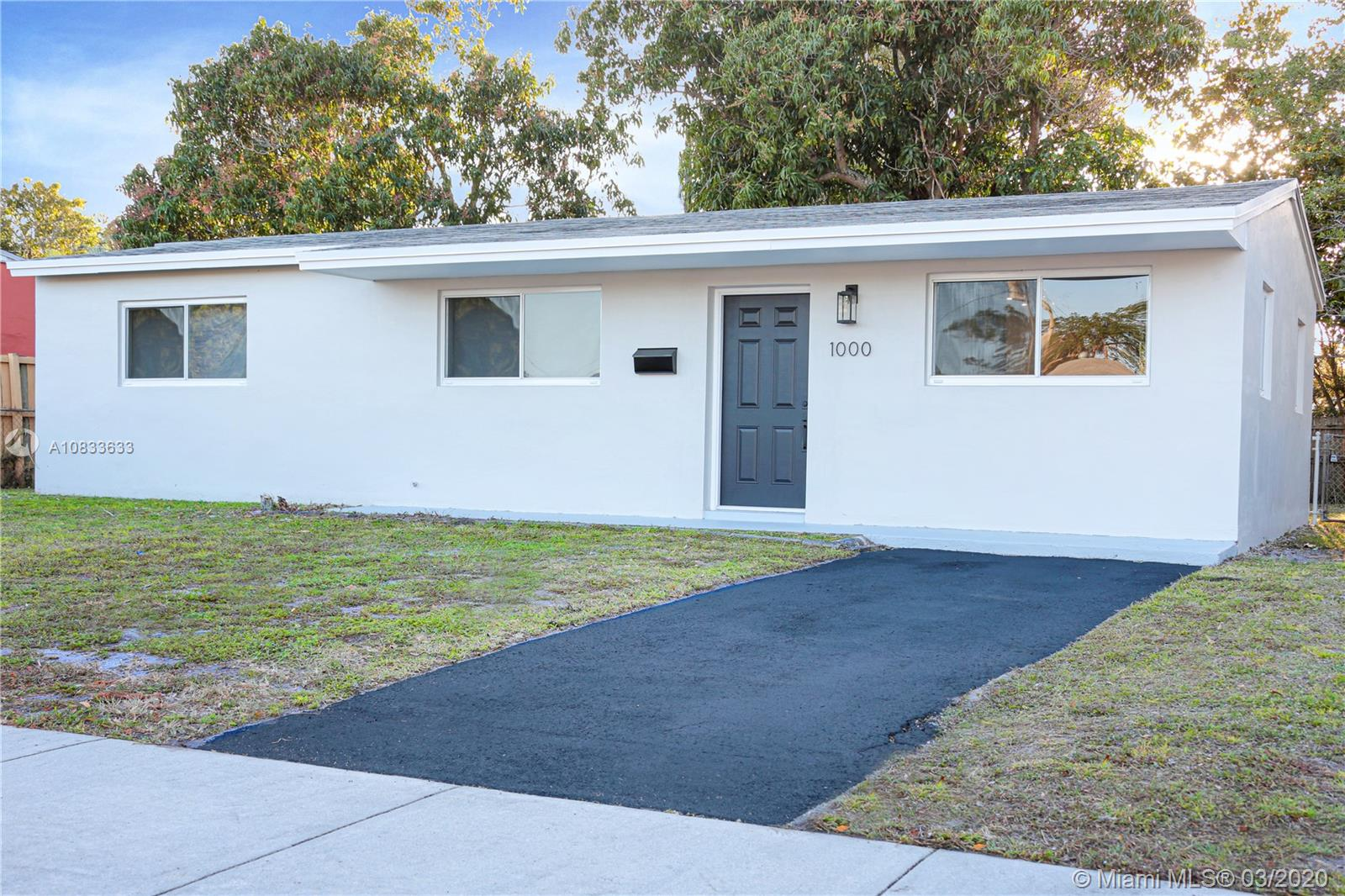 1000 N 71st Ter  For Sale A10833633, FL
