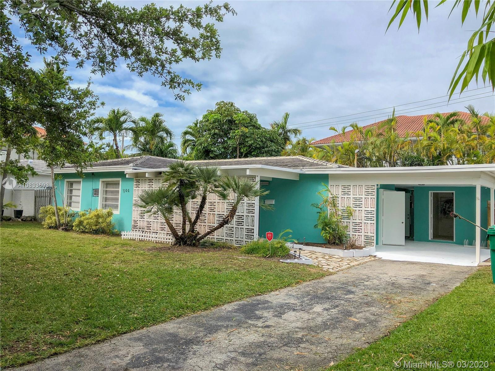 544  Warren Ln  For Sale A10833693, FL
