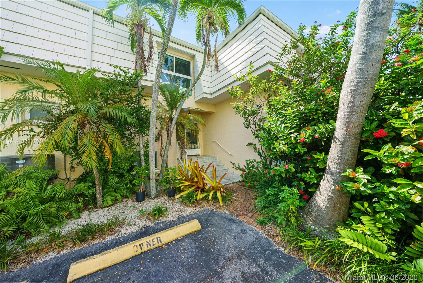 232  Sea View Dr #108 For Sale A10833793, FL