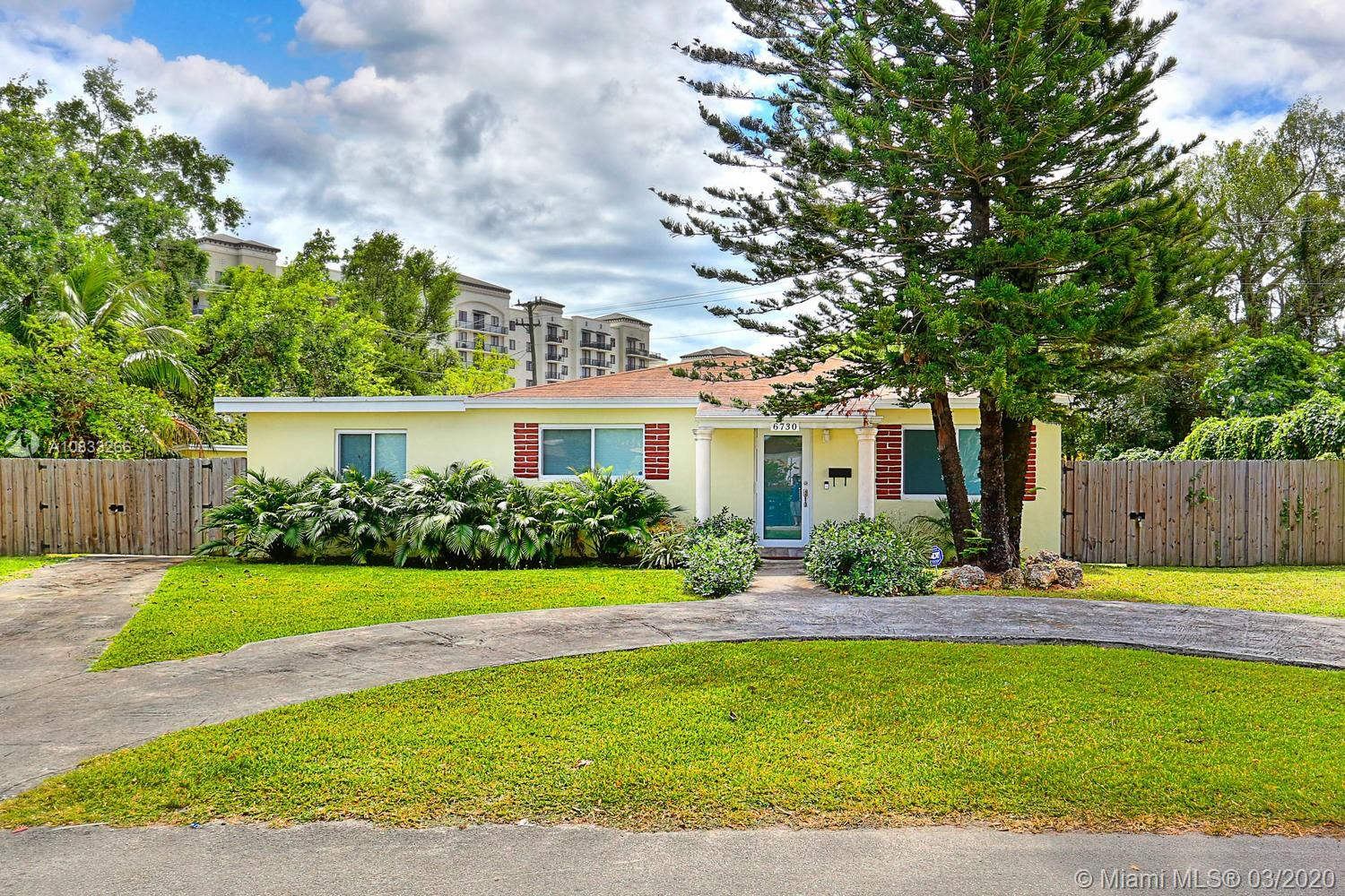 6730 SW 19th Ter  For Sale A10833266, FL