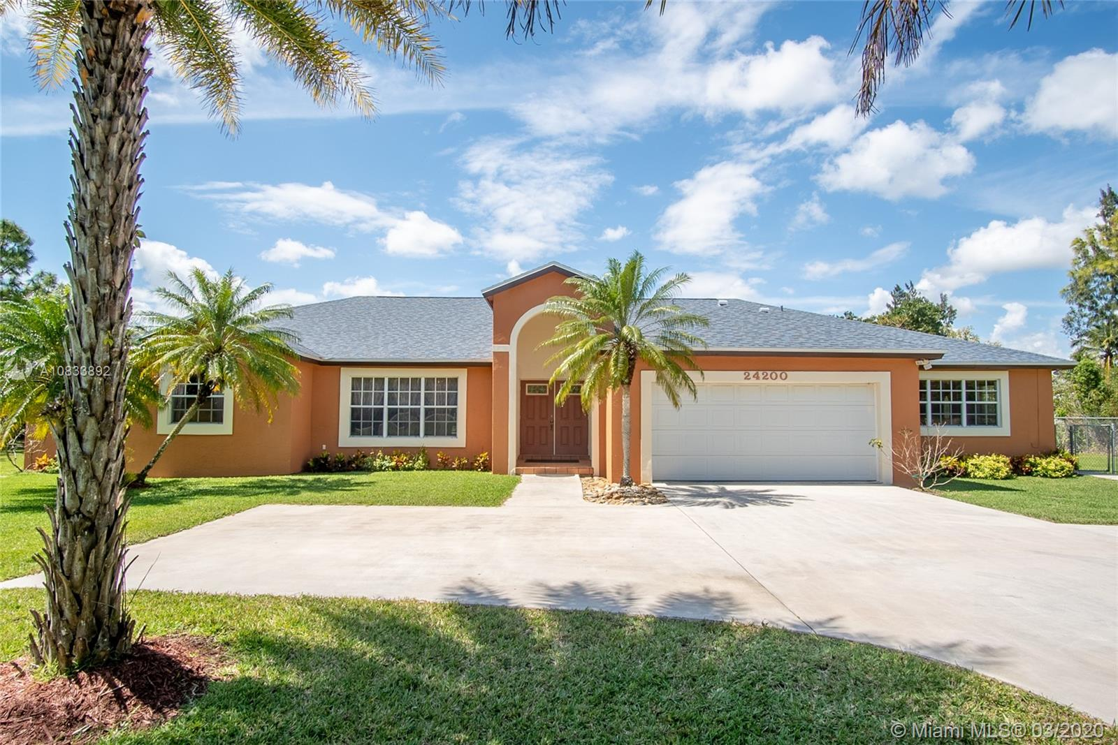 24200 SW 142nd Ave  For Sale A10833892, FL