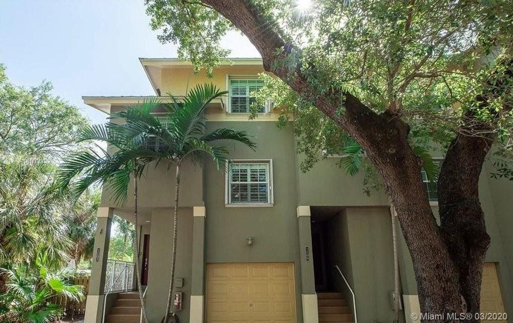 1207 SW 4th Street  For Sale A10833332, FL
