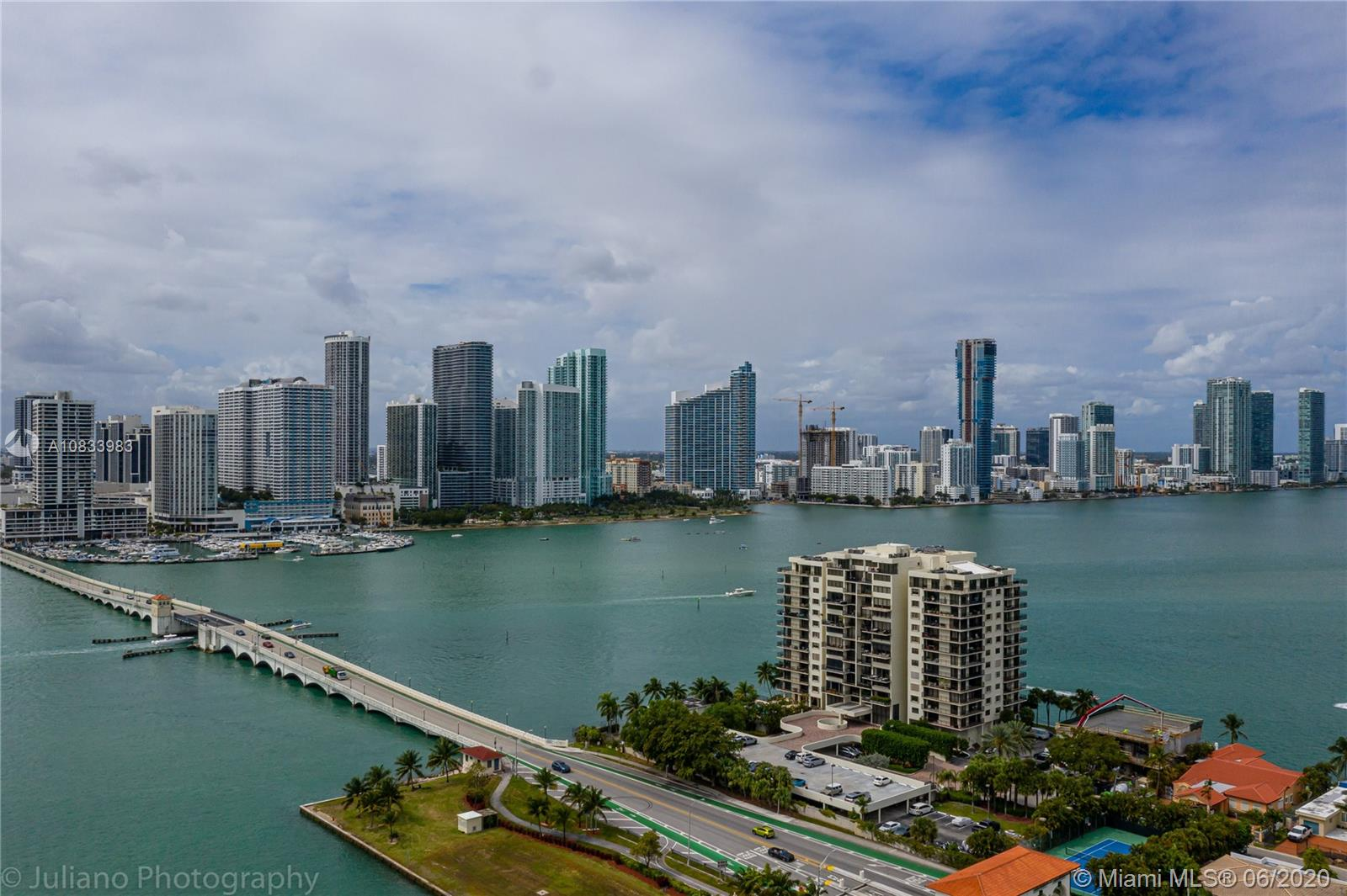 801 N Venetian Dr #907 For Sale A10833983, FL