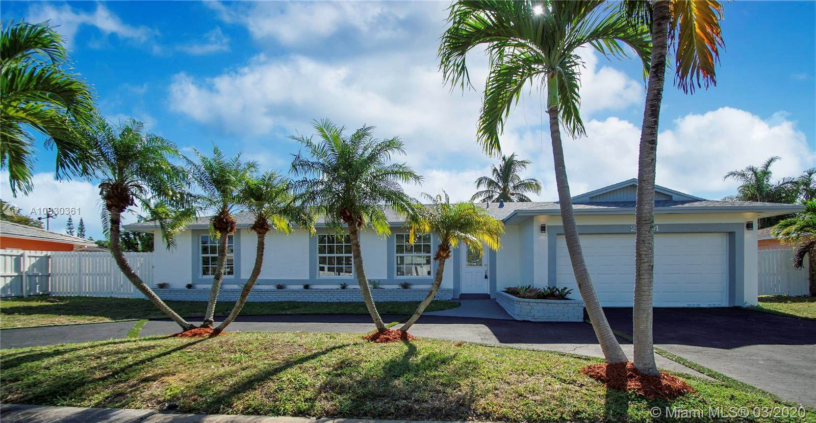 20414 SW 83rd Ave  For Sale A10830361, FL
