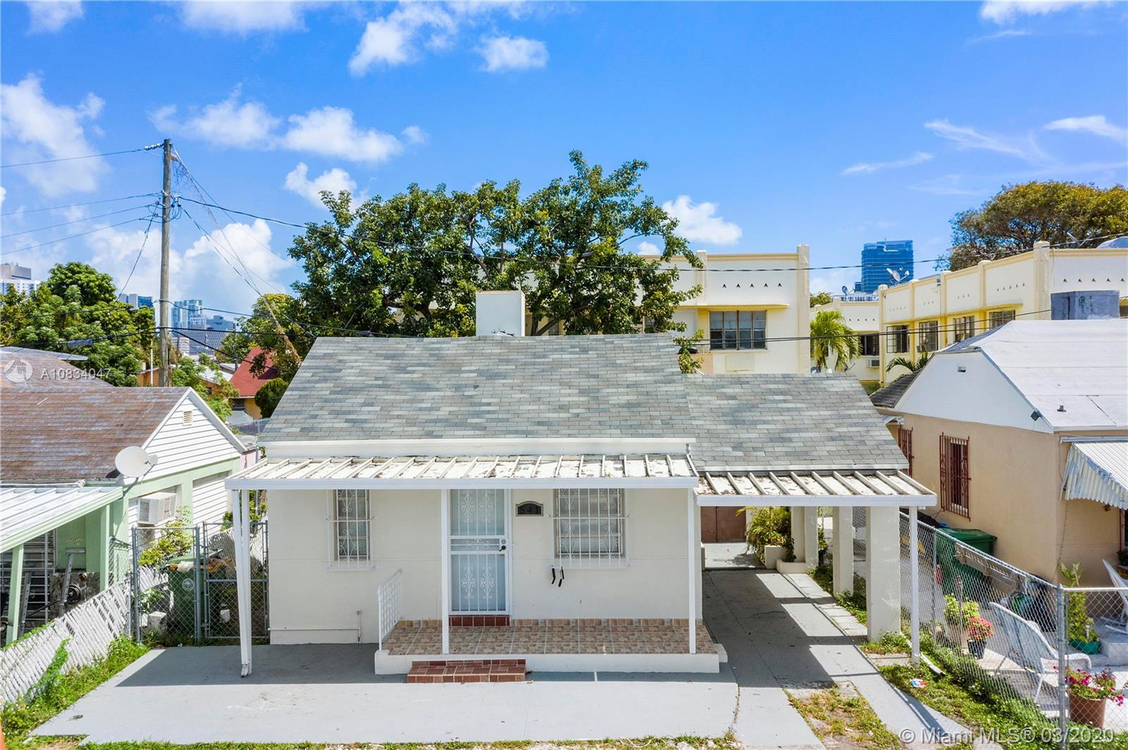 541 SW 8th Ct  For Sale A10834047, FL