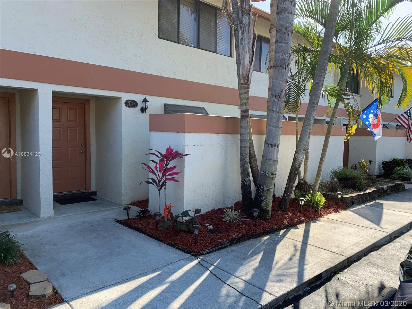 7044 SW 42nd Ct #7044 For Sale A10834125, FL