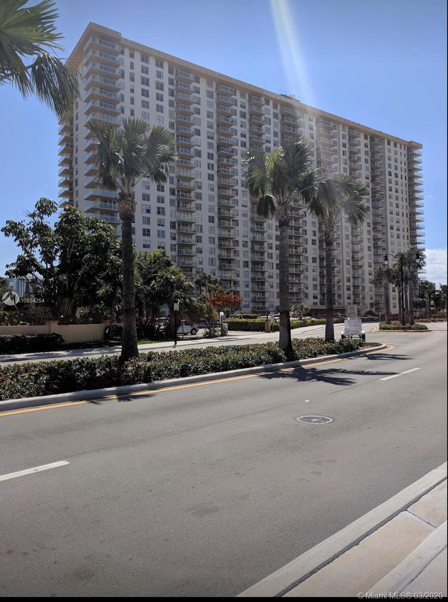 250  174th St #810 For Sale A10834254, FL