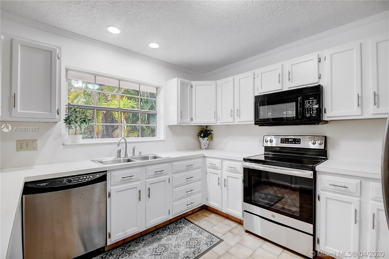 11069 Glenwood Dr, Coral Springs, FL 33065