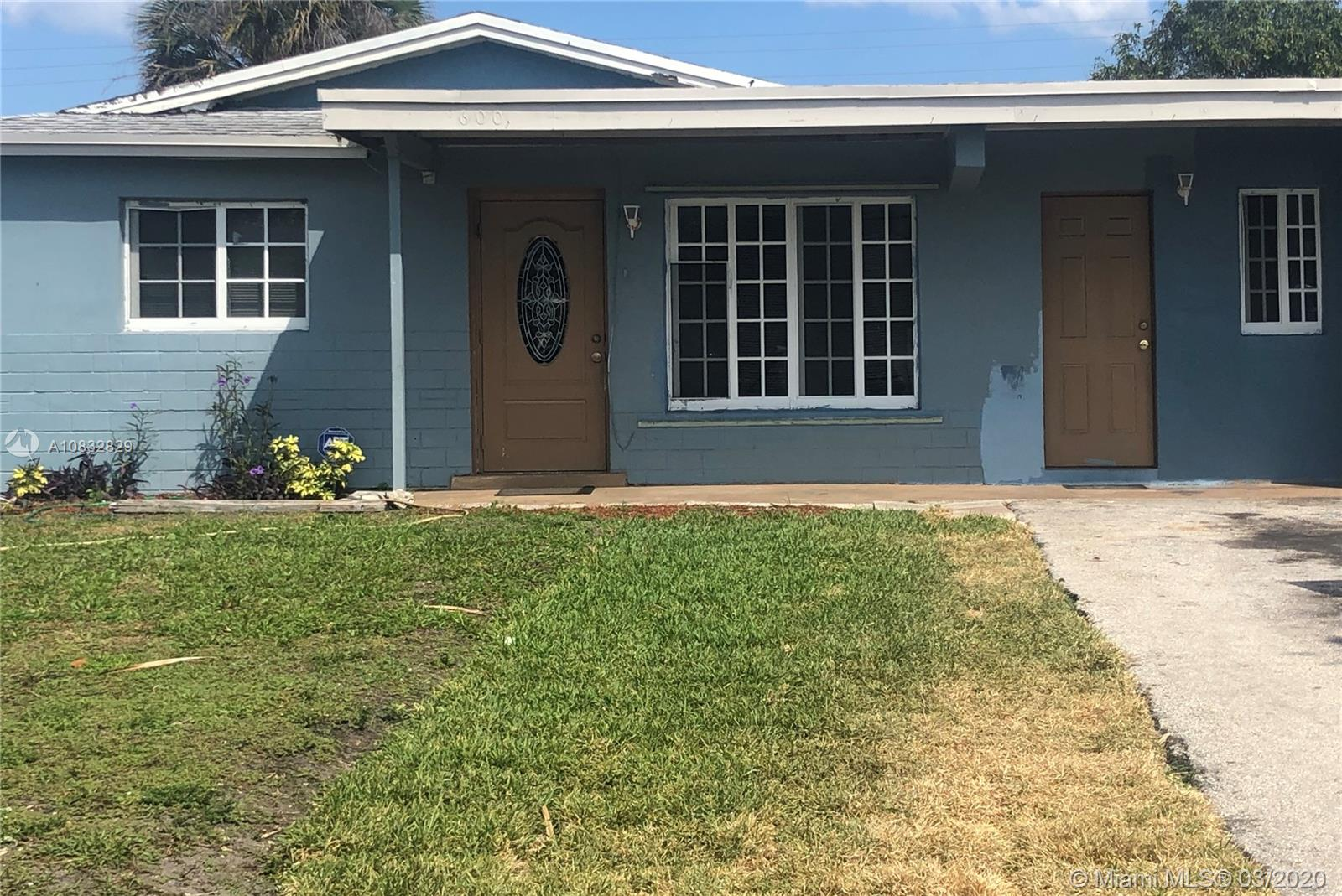 Nice size 4/2 single family home, with a huge front and back yard which makes it perfect for entertaining family and friends.  It also has impact windows, central AC, den and full size laundry room ***NO HOA*** In the Beautiful City of Deerfield Beach! 