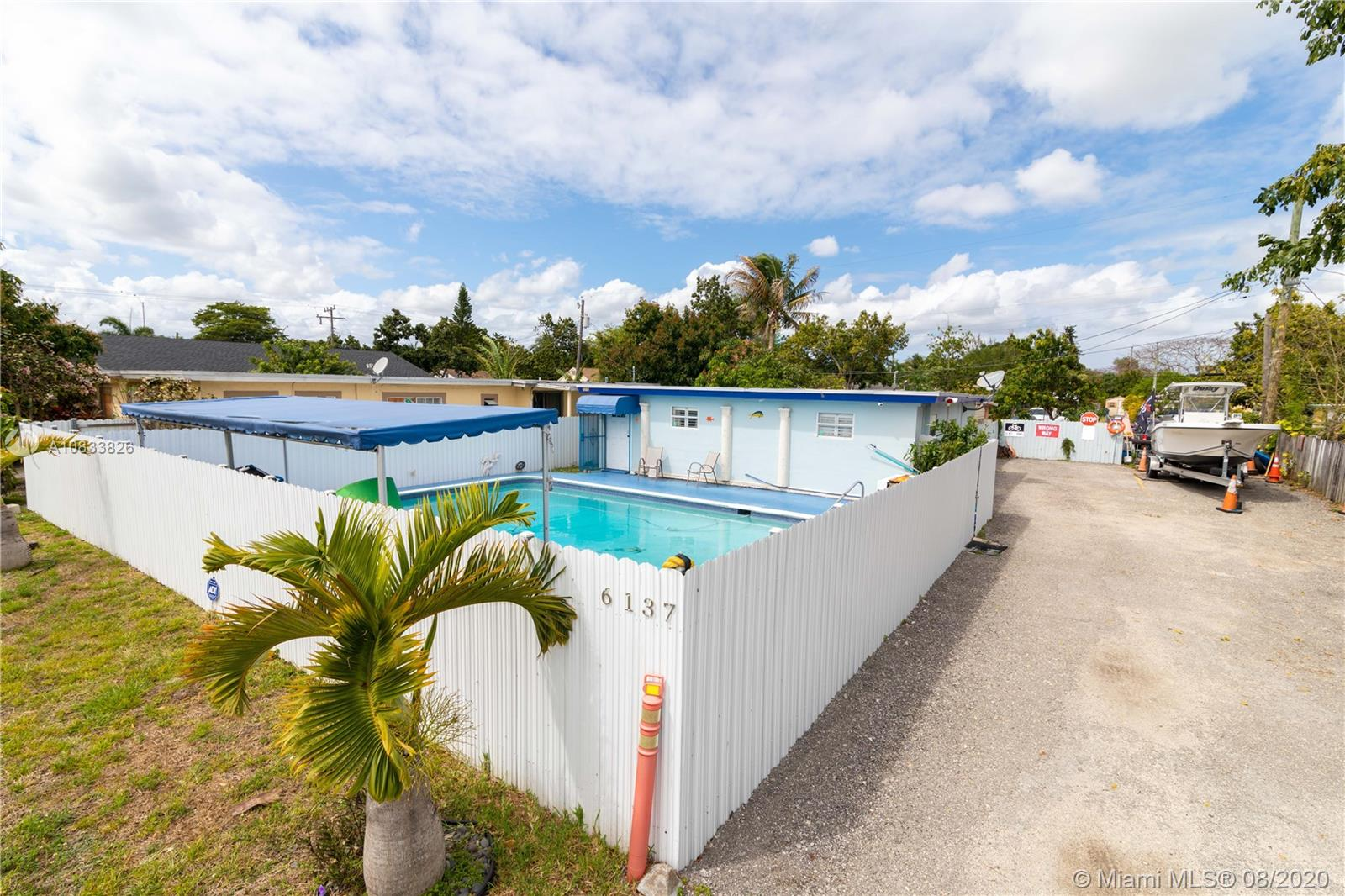 6137  Grant St  For Sale A10833826, FL